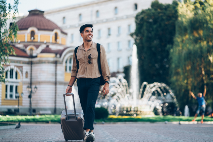 How to Travel Alone Comfortably ( Solo Travel )